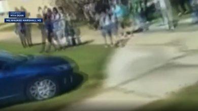 صورة شاهد.. لحظة مطاردة الشرطة لسيارة يقودها طفل بشكل جنوني