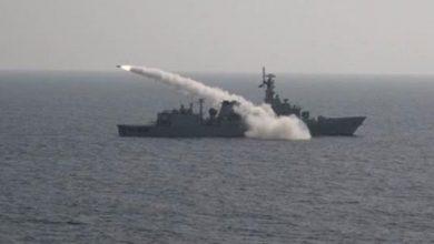 صورة بالصور.. البحرية السعودية تنفذ رماية بالصواريخ على أهداف بحرية بتمرين