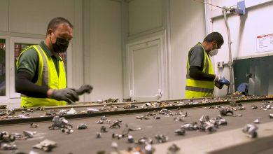 صورة تحويل القمامة إلى كنز.. إعادة تدوير النفايات الإلكترونية في دبي
