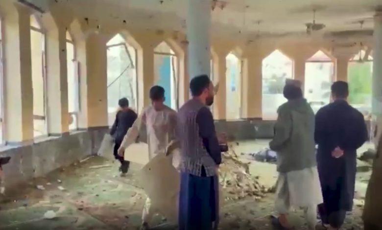 بعد-مقتل-عشرات-المصلين-في-مسجد-بأفغانستان.-هل-يهدد-داعش-حكم-طالبان؟