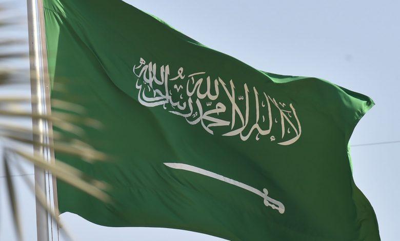 """القبض-على-سعودي-بعد-تداول-فيديو-يعتدي-فيه-على-مسن-بالضرب-و""""عبارات-تثير-نعرات-قبلية"""""""