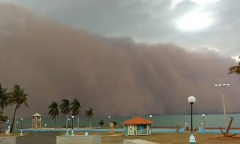 """شاهد.-""""العاصفة-البرتقالية""""-تنقض-على-البرازيل-وسط-أسوأ-موجة-جفاف-منذ-91-عامًا"""