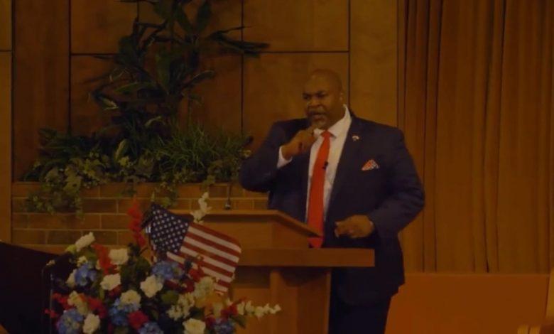 """نائب-حاكم-ولاية-أمريكية-يثير-موجة-غضب-بـ""""خطاب-كراهية""""-ضد-المثليين"""