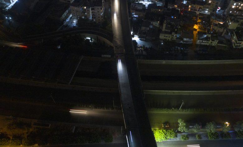 """لبنان:-عودة-""""كهرباء-الحكومة""""-لساعتين-فقط.-وصور-وزير-الطاقة-على-الشاطىء-تثير-ضجة"""