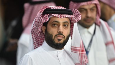 """صورة تركي آل الشيخ يكشف عدد النسخ المطبوعة من روايته """"تشيللو"""" بعد نفادها بمعرض الرياض"""