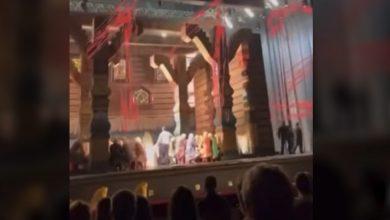 """صورة مقتل فنان روسي سحقًا أثناء عرض أوبرا في مسرح """"بولشوي"""".. إليك ما حدث"""