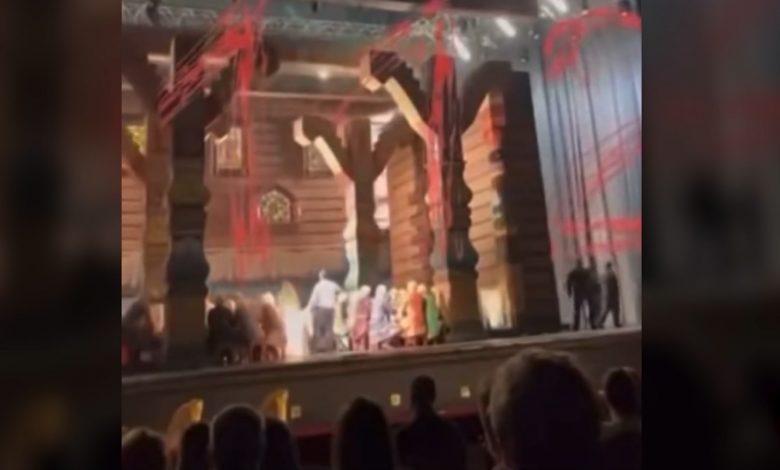 """مقتل-فنان-روسي-سحقًا-أثناء-عرض-أوبرا-في-مسرح-""""بولشوي"""".-إليك-ما-حدث"""