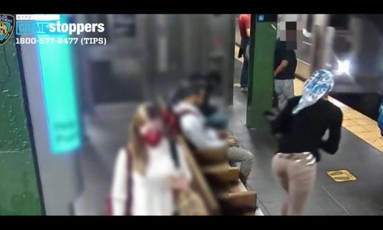 امرأة-تدفع-أخرى-أمام-قطار-عمدًا-وفجأةً.-شاهد-ما-حدث