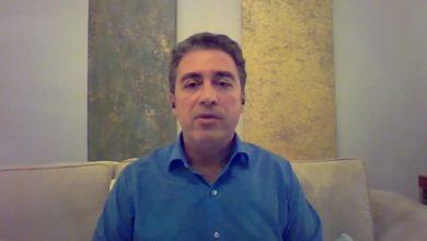 صورة نجل أمريكي معتقل بإيران: حالة والدي الصحية مُلحّة.. ونحن بائسون جدًا
