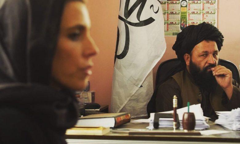 """طالبان.-""""صورة-بألف-كلمة""""-لرئيس-الأمر-بالمعروف-والنهي-عن-المنكر-مع-مراسلة-cnn"""