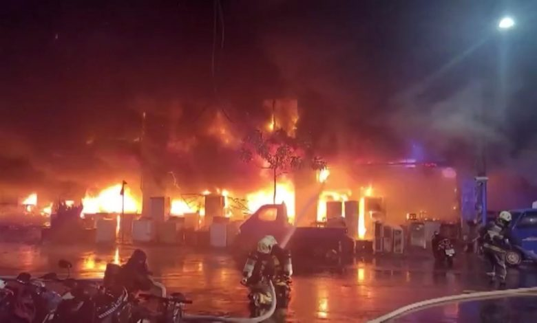 شاهد.-46-قتيلاً-على-الأقل-في-حريق-بمبنى-جنوب-تايوان