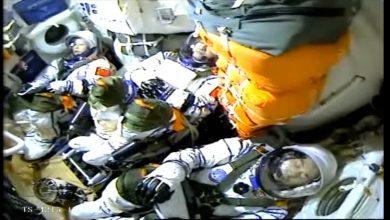 صورة لحظة إطلاق الصين طاقمها لبناء محطة الفضاء الخاصة بها