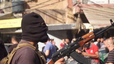 صورة مراسل CNN على ضفتي الخط الفاصل القديم لحرب لبنان الأهلية.. ما الذي تحمله موجة العنف الأخيرة؟