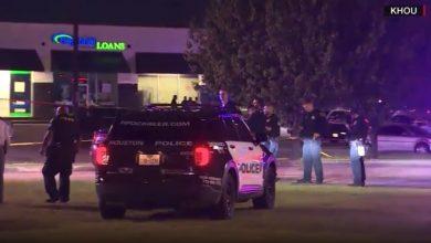 صورة قتلوا ضابط وجرحوا آخرين.. شاهد كيف خدع مسلحون عناصر الشرطة الأمريكية
