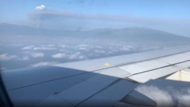 """صورة هكذا يبدو المشهد من طائرة ركاب تقترب من بركان """"كمبر فيجا"""""""