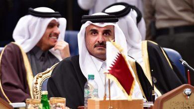 صورة أمير قطر يجري تعديلا حكوميا يشمل 13 حقيبة وزارية