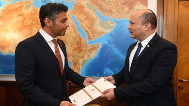 صورة محمد بن زايد يدعو رئيس وزراء إسرائيل إلى زيارة الإمارات