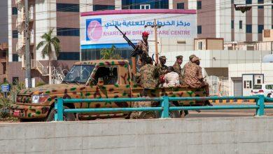 صورة كيف علقت مصر والسعودية والإمارات وقطر على انقلاب السودان؟