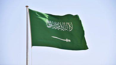 """صورة سعد الجبري """"هارب من العدالة"""".. أمير سعودي يعلق على حديث المستشار الأمني السابق"""