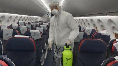 صورة وزير الطيران المدني يوجه بتنفيذ عمليات تعقيم مستمرة بالمطارات المصرية وعلى متن الطائرات