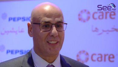 صورة بالشراكة مع منصة دور لبكرة محمد شلباية يسلم جائزة Green Star Award للفيلم اللبناني كوستا براڤا